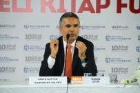 KITAP FUARı - Gazeteci Hakan Çelik, Kocaeli Kitap Fuarı'nda