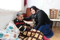 TAŞKıRAN - Kardeşine Annelik Yapıyor