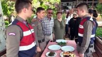 MUSTAFA ÇETİNKAYA - Mehmetçik'e 'Anne Kahvaltısı'