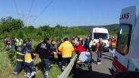 MEHMET YıLDıRıM - Minibüs Takla Attı Açıklaması 5 Yaralı