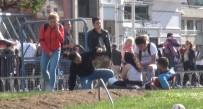 GENÇ KIZ - (Özel) Taksim'de Alkol Kullanan Genç Kız, Ayakta Durmakta Zorlandı