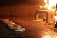 PEKMEZLI - Ramazan Çörekleri Tezgahlarda Yerini Aldı