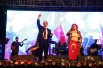 İZMIR MARŞı - Selda Bağcan'a 20 Bin Kişilik Koro