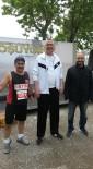 55 Yaşında 15 Kilometre Koşarak Birinci Oldu