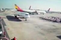 YOLCU UÇAĞI - Atatürk Havalimanı'nda Uçağın Çarpma Anı Kamerada