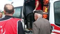 YOLCU MİDİBÜSÜ - Bingöl'de Yolcu Midibüsü Devrildi Açıklaması 20 Yaralı