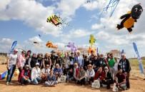 UÇURTMA FESTİVALİ - Çeşme'de Uçurtma Festivali, Görsel Şölene Dönüştü