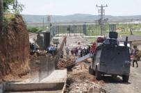 NESIM - Cizre'de Göçük Açıklaması 2 İşçi Yaralandı