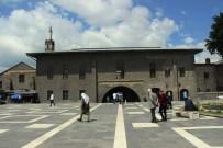 Diyarbakır Ramazan Ayına Durgun Giriyor