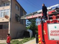 Elektrik Kontağından Çıkan Yangın Paniğe Neden Oldu