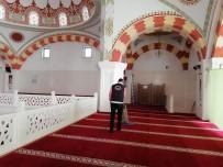 KEÇİÖREN BELEDİYESİ - Keçiören'in İbadethaneleri Ramazan'da Da Mis Gibi Kokacak