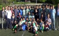 OSMAN AYDıN - Kulüp Başkanı, Finale Bir Saat Kala Futbolcuları Takımdan Kovdu