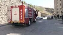 YOL ÇALIŞMASI - Malatya'da İş Makinesi Doğalgaz Hattına Zarar Verdi