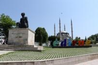 SELIMIYE CAMII - Selimiye Camii, Gül Suyuyla Yakalandı