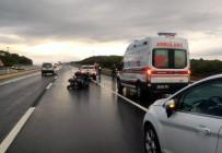 HALIÇ - Tekirdağ'da Motosiklet Otomobile Çarptı Açıklaması 1 Yaralı
