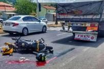 Tıra Çarpan Motosiklet Sürücüsü Hayatını Kaybetti