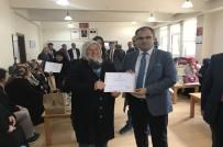 OKUMA YAZMA KURSU - Turhal'da 717 Vatandaş Okuma-Yazma Kursunu Tamamladı