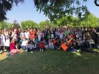CEMİL MERİÇ - Üniversiteli Abi Ve Ablalarıyla Spor Yapıp Eğlendiler