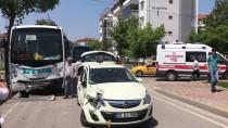 YOLCU MİNİBÜSÜ - Yolcu Minibüsü İle Otomobil Çarpıştı Açıklaması 3 Yaralı
