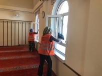 AKŞEHİR BELEDİYESİ - Akşehir Belediyesi Cami Temizliklerini Sürdürüyor