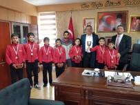 TAŞDELEN - Altınyaylalı Sporcular Madalyalarla Döndü