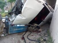 Balıkesir'de Trafik Kazası Açıklaması 8 Yaralı