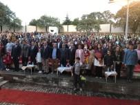 ONUR KONUKLARI - Burhaniye'de Halk Oyunları Şenliği Yapıldı