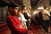 Diyarbakır'da İlk Teravih Kılındı