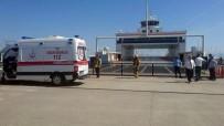 SAĞLIK EKİBİ - Feribot İskeleye Çarptı, Çok Sayıda Yolcu Yaralandı