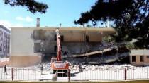 OKUL BİNASI - Havza'da Depreme Dayanıksız Okul Binası Yıkıldı