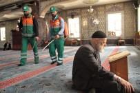 CAMİİ - İlk Teravih Öncesi Camiler Gül Koktu