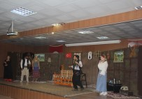 Kulp'ta Drama Kursiyerlerinin Sahnelediği Oyun Seyirciden Tam Not Aldı