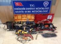 GÖKMEYDAN - Minibüs İçerisinden İnşaat Aletlerini Çalan Hırsız Yakalandı