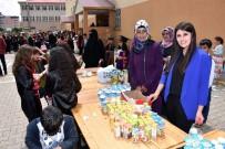 AKÜLÜ SANDALYE - Muş'ta Engelli Öğrenci Yararına Kermes