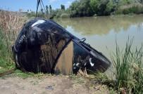 Otomobil Kızılırmak'a Düştü