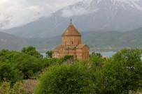 AKDAMAR ADASı - Tarihi Akdamar Adası'na Ziyaretçi Akını