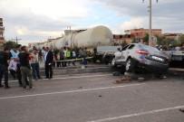 AHMET ARİF - Tren Otomobile Çarptı Açıklaması 1 Yaralı
