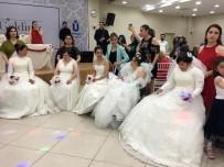 ENGELLİ GENÇ - Üsküdar'da Engelli Genç Kızlar İçin Temsili Kına Gecesi Düzenlendi
