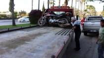 Adana'da Kaldırıma Çarpan Motosikletin Sürücüsü Öldü