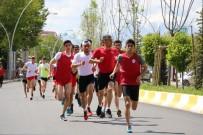KOMPOZISYON - Ağrı'da Atletizm Ve Tekerlekli Kayaklı Koşu Yarışmaları Yapıldı