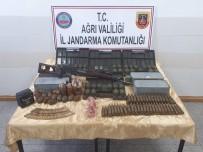 EL BOMBASI - Ağrı Dağı'nda PKK Sığınağında 61 El Bombası Ele Geçirildi