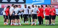 TOLGAY ARSLAN - Beşiktaş, Sivasspor Maçının Hazırlıklarına 10 Eksikle Başladı