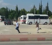 ENDÜSTRI MESLEK LISESI - Dolmuşa Bindirmeyen Şoförü Kovalayıp Bıçakladı