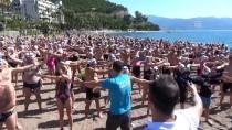 TÜRKİYE YÜZME FEDERASYONU - Dünya Şampiyonları Marmaris'te Kulaç Atıyor