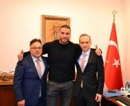 BOKSÖR - Dünya Şampiyonu Trabzon'a Geliyor