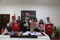 KOCADERE - İzcilerden Başkan Özakcan'a Anlamlı Hediye
