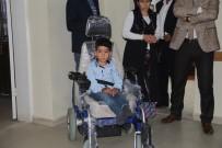 TEKERLEKLİ SANDALYE - Kaymakamdan Doğuştan Engelli Çocuğa Akülü Araç