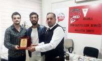 AMATÖR LİG - Malatya ASGD'den Golcü Bekir Yardım'a Plaket