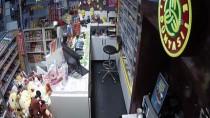 Marketten Hırsızlık Anı Güvenlik Kamerasında