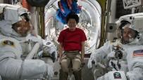 AMONYAK - NASA Astronotlarından Uzay Yürüyüşü